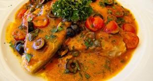 Pesce spada al forno con salsa di olive